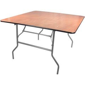 שולחן מרובע להשכרה לאירועים