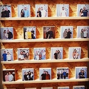 הדפסת תמונות על בלוק עץ למסיבת רווקות
