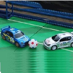 כדורגל שולחן עם מכוניות